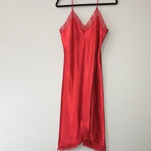 VTG VS Gold Label Red Lace Slip